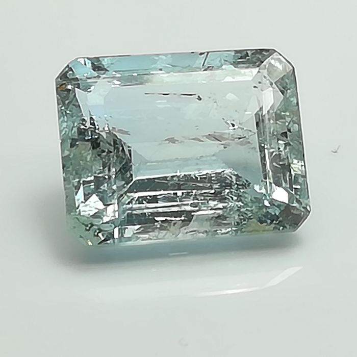 Aquamarine - 3.87 ct *No reserve price*