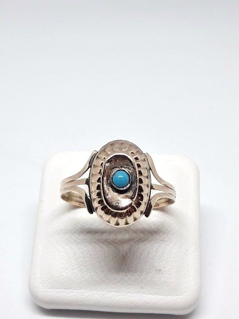 Art Deco ring from the 1930s - 9 kt gold and turquoise stone - size: 20 mm
