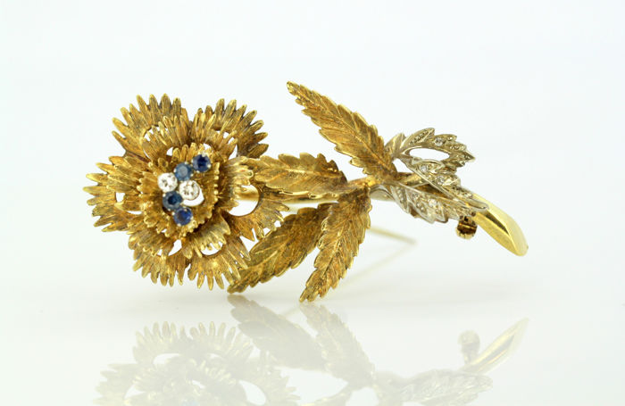 Vintage 18k gold floral style brooch -  With diamonds and sapphires