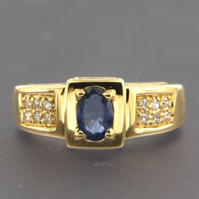 Ring - Gold - Diamond and Sapphire