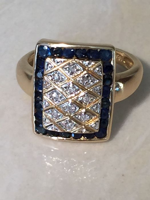 14 kt gold ring set with sapphires and diamonds, size 17