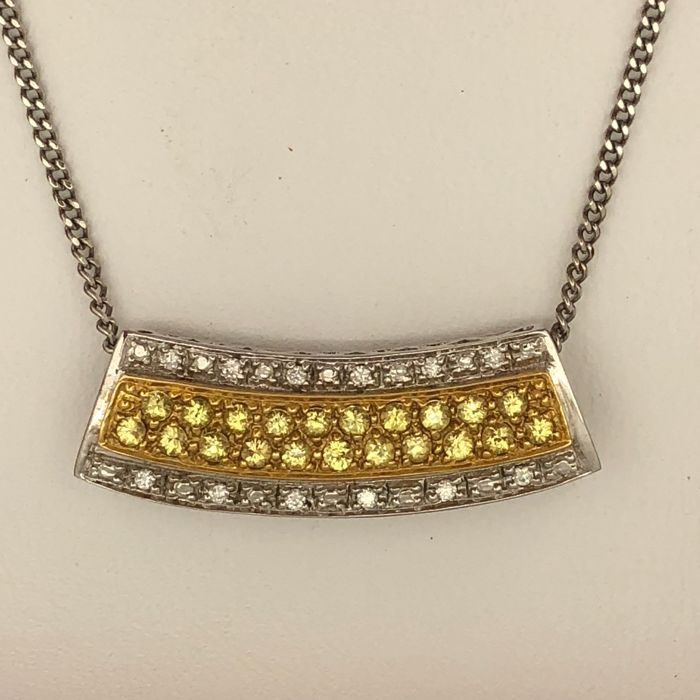 Necklace pendant with two types of gold of 750/°°, yellow sapphires and diamonds, 40 cm