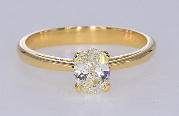 0.68 Ct Diamond ring. 18kt gold. Size 13 adjustable. No reserve price