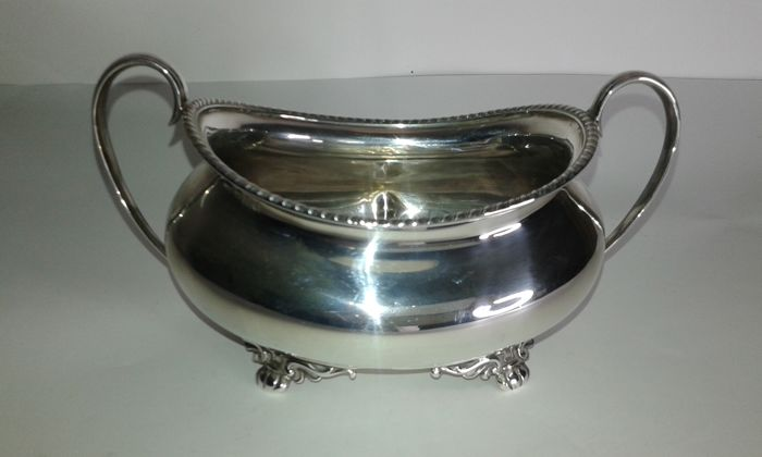 An Edwardian sugar bowl - Atkin Bros, Sheffield - .925 silver