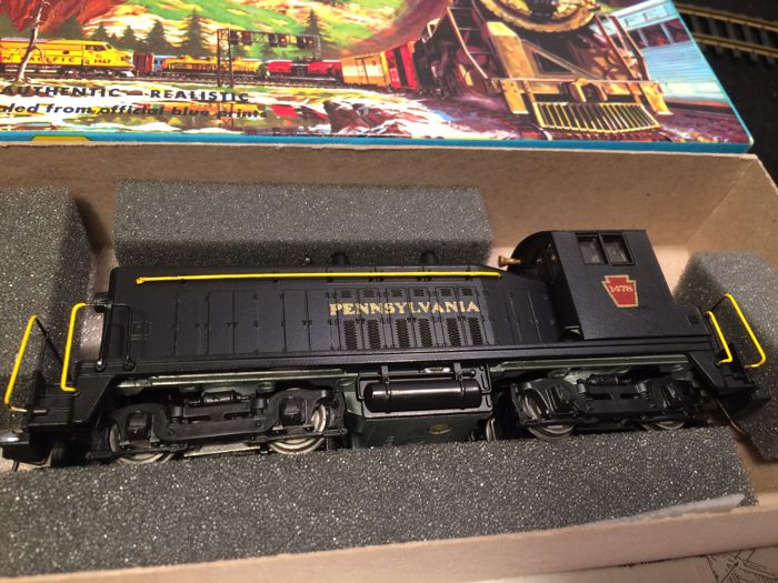 Athearn H0 - 4058 - Diesel locomotive - SW7 - Pennsylvania Railroad