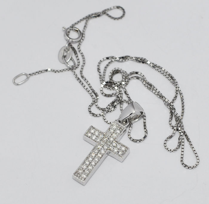 Cross pendant 0.50 ct diamonds totals for both side including chain length 45 cm