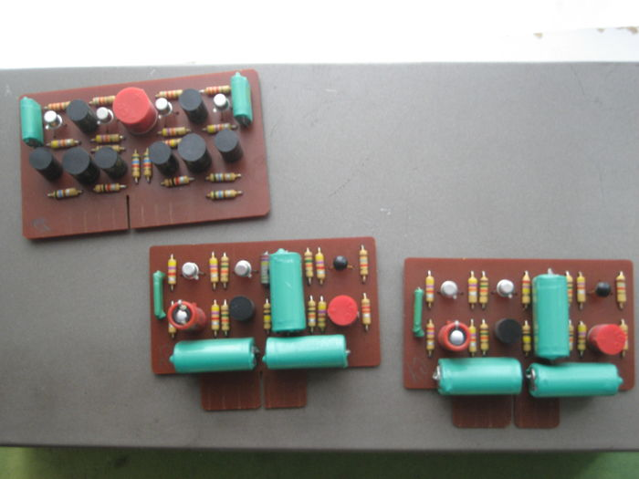Quad 33/303 preamp /amp incl  cables and special cd cable ser nr 33/2551  303/23926 - Catawiki