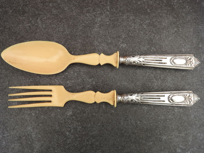 Pair salade fork + spoon - silver with bone - 800.