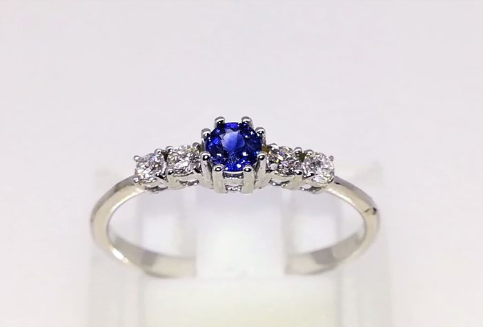 Ring - White gold - Commonly treated - 0.5 ct - Sapphire and Diamond