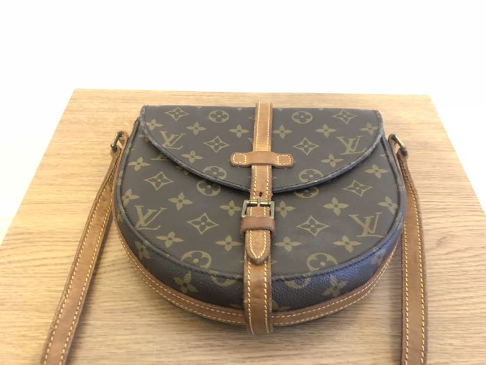 26545edf578d Louis Vuitton - Chantilly GM Shoulder bag - Catawiki