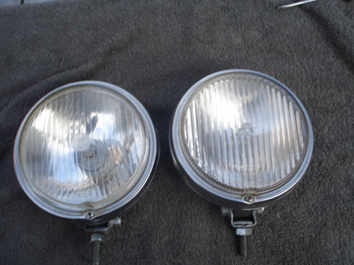 Lamps - 2 Hella spotlights old type 160 mm - 1965-1975 (2 items)
