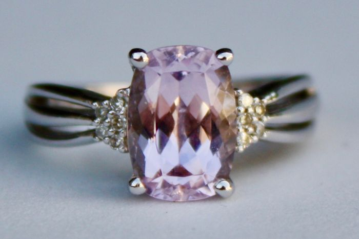 18 kt White Gold ring with a Radiant cut Rose Amethyst and Diamonds  - M (UK)  -  6 1/4 (USA) - No Reserve Price