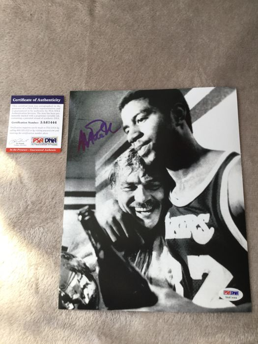 NBA basketball - Photograph, hand signed by the great Magic Johnson - PSA COA