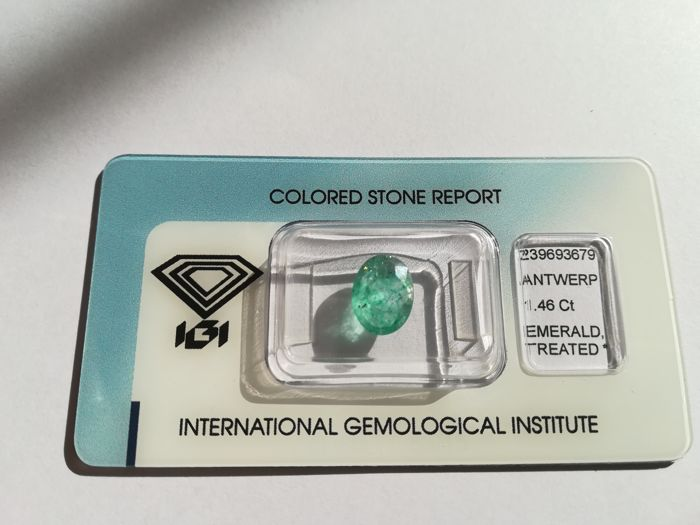 Emerald - light green - 1.46 ct