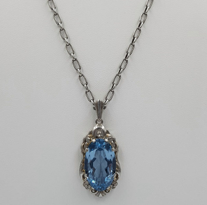 Art Deco necklace with aquamarine: necklace with pendant made of 835 silver, antique approx. around 1910