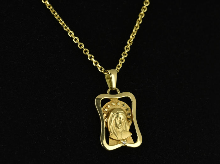 Gold 18 kt  Chain necklace with Virgin pendant Diamond of 0.005 ct Chain length: 50 cm