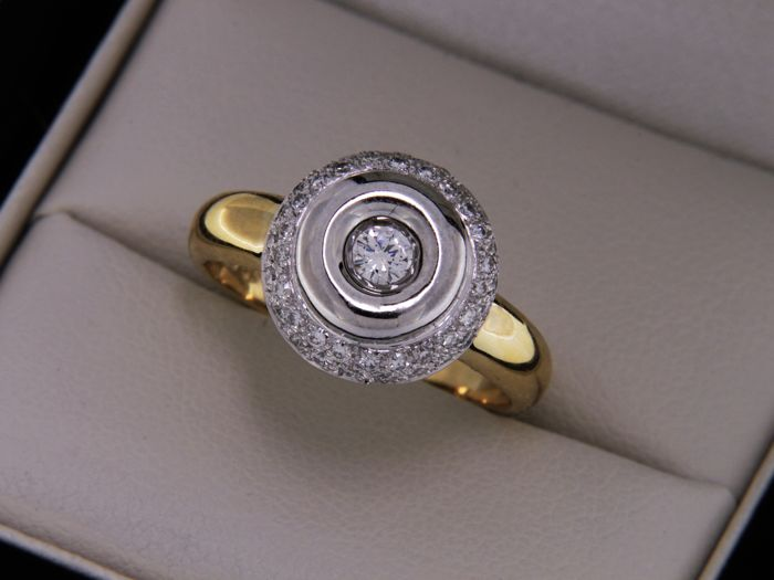 Ring in two-tone 18 kt Gold and Diamonds - Ring size: 55