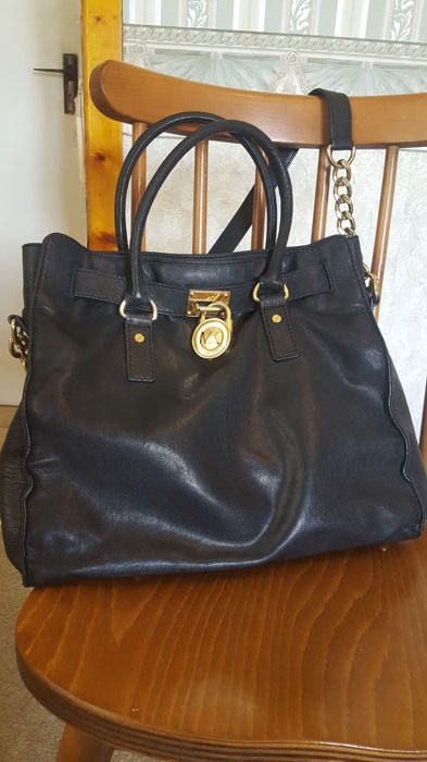 21e9b7626e6e Michael Kors Large Hamilton Leather Bag - Catawiki