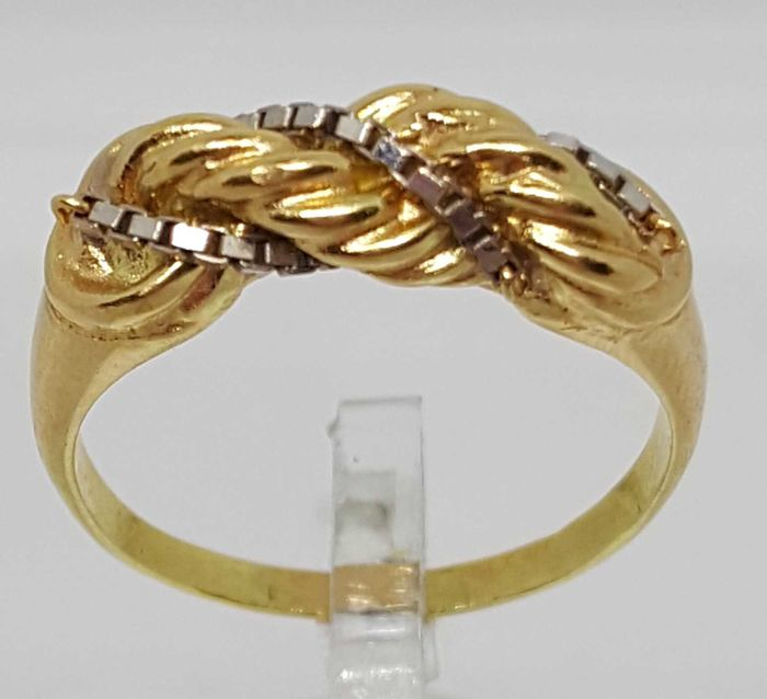 Two tone 18 kt gold cocktail ring, 4.06 g.  No 14 (54eu)