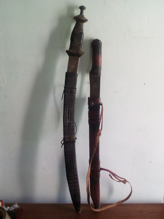 Lot of two ancient ethnic swords - TUAREG - Africa - Catawiki