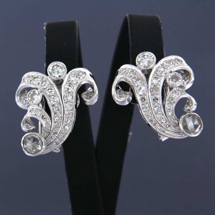 Earrings - White gold - No indication of treatments - 2 ct - Diamond
