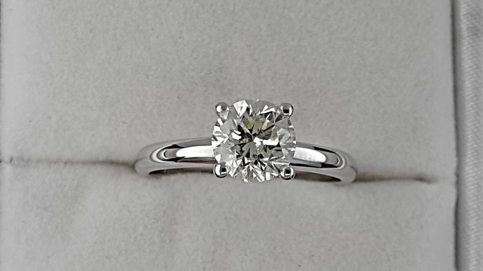 1.20 carat Round treated Diamond Solitaire Engagement Ring - No Reserve