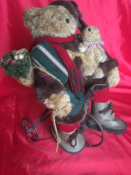 Christmas Bear carrying his gifts in Tricycle - Large - Metal structure and Textiles