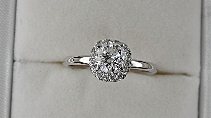 1.02 carat D/SI1 treated Diamond Engagement Ring in Solid White Gold 14K