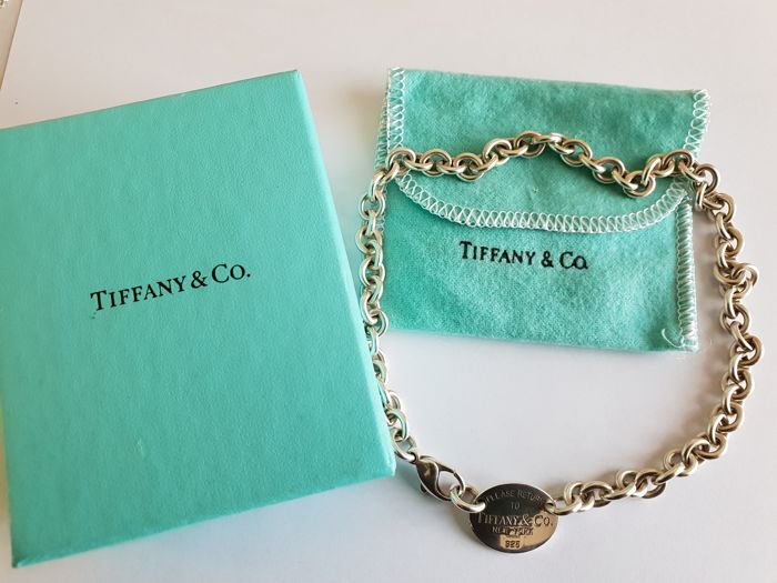 TIFFANY & CO. necklace in 925 solid sterling silver, with oval plaque inscription 'PLEASE RETURN TO TIFFANY & CO. New York 925' - Length: 40 cm - No reserve