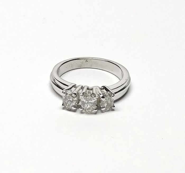 An 18k Diamond Ring with 0.75 cts total