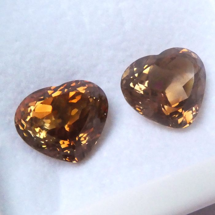 Pair of Topazes – 27.73 ct