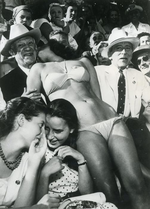 Unknown/Farabola - Pablo Picasso and Jacques Cocteau at a bullfight, 1956