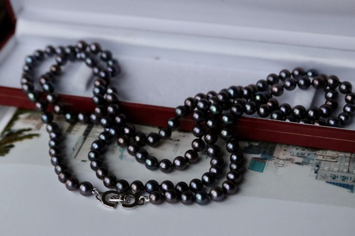 """Very long 104cm """"Chr. Dior"""" freshwater pearl (6,5mm) necklace **No Reserve**"""