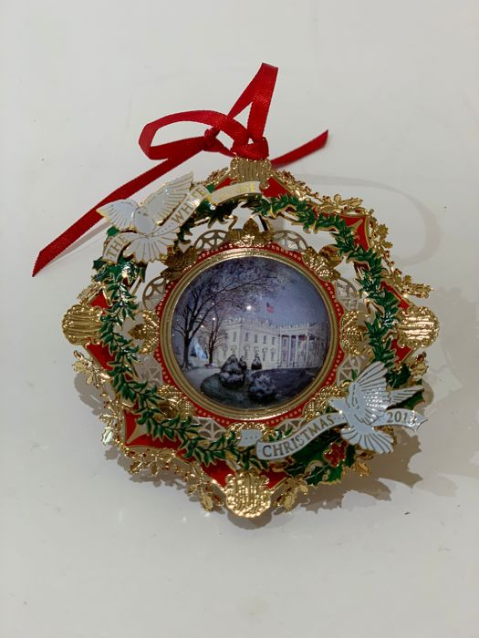 The White House historical association White House Christmas ornament -  Peace, Christmas ornament 2013 in luxury box - plastic - The White House Historical Association White House Christmas