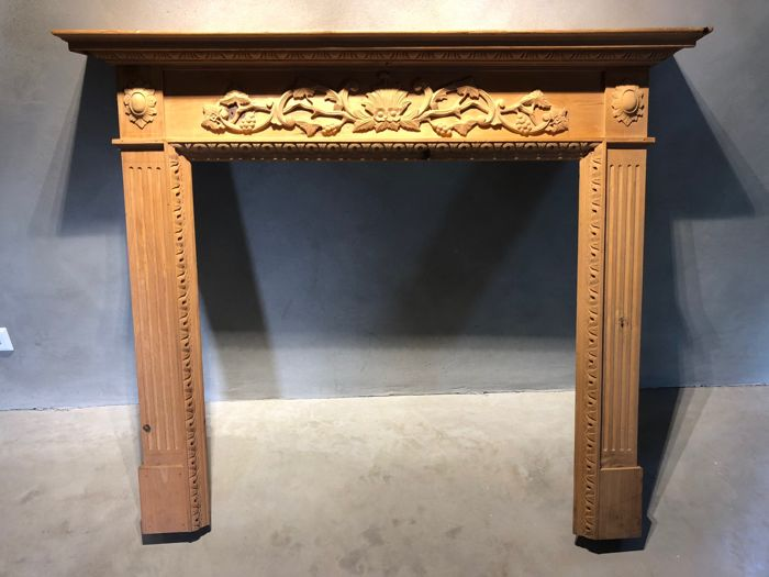 Chimneypiece in pinewood - unvarnished - France - ca. 1910