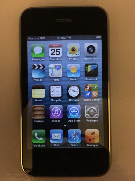 Apple iPhone 3G Smartphone 3G iOS Tactile 8 Go Noir