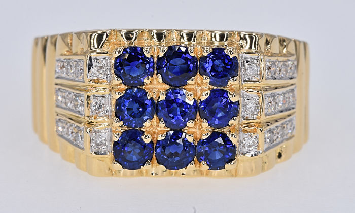 1.26 Ct Sapphires with Diamonds ring. 18kt gold, size 11.5 adjustable. No reserve price.