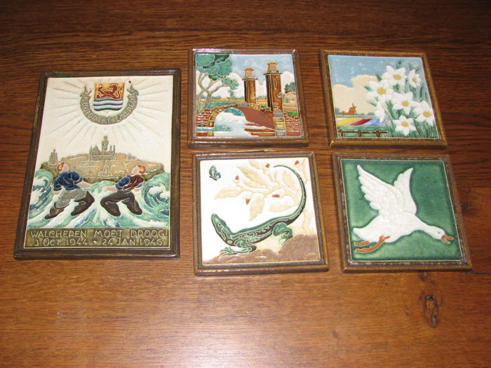De Porceleyne Fles - Tile(s), 5 pieces of Cloisonne tiles - Ceramic