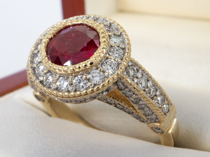 2.64 ct - Intense red ruby & diamond ring in 14K gold - No Reserveprice