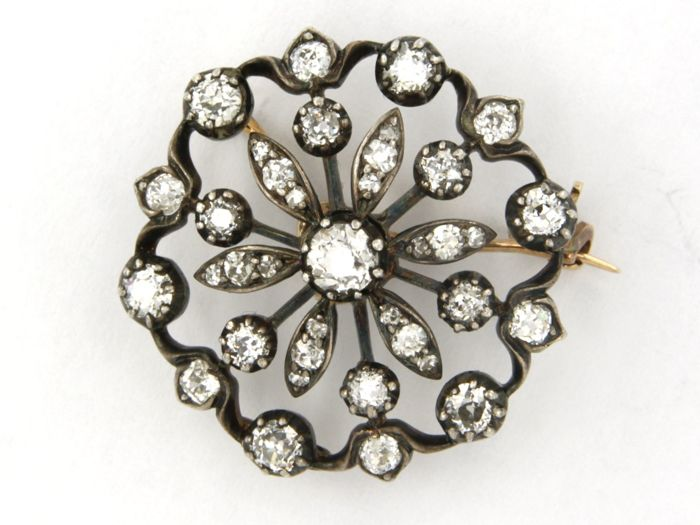 Mixed Silver - Brooch - 2.00 ct Diamond