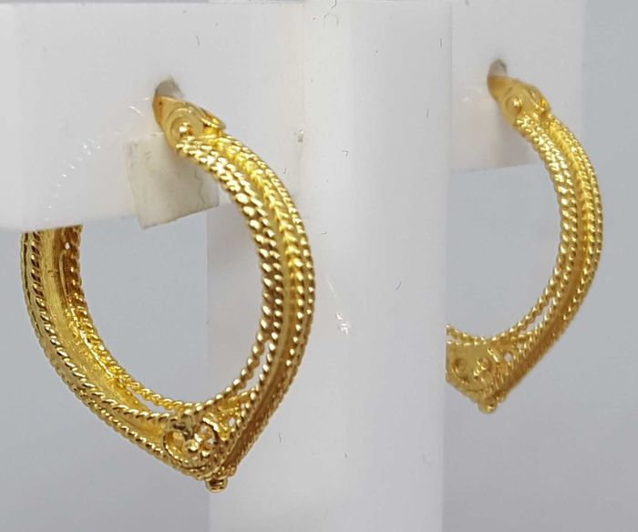 Arabic style earrings in gold 18 kt, 3.17 g  and 19x16 mm
