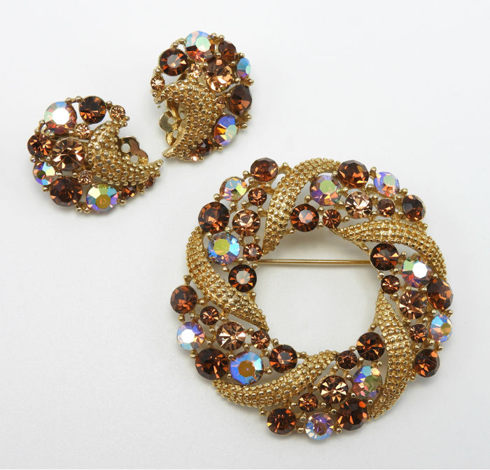Lisner Circular Rhinestone Brooch and Earrings Set