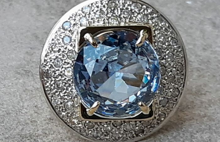 Ring - Gold - 18 ct - Topaz and Diamond