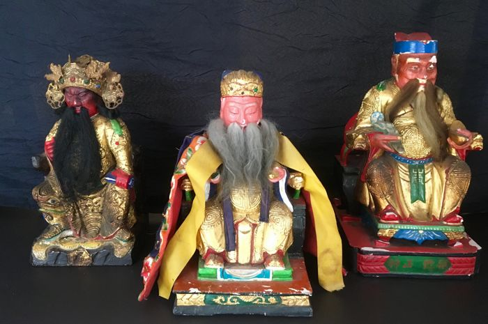 Set of three wooden sculptures - China - late 20th century