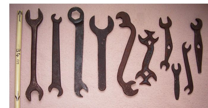 10 Antique wrenches - France - 1930
