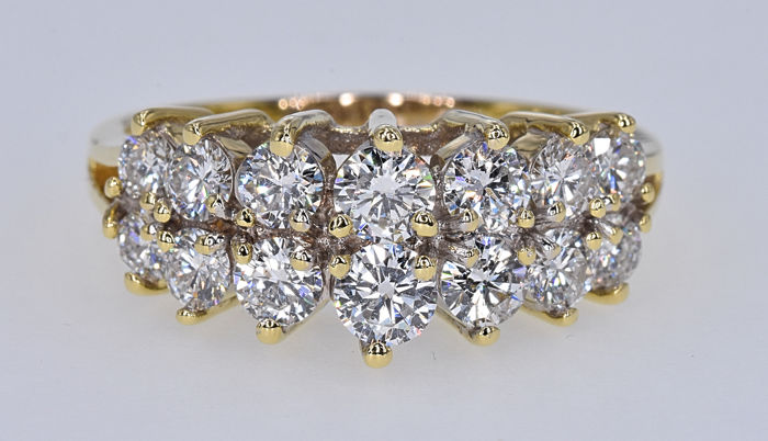 2.31 Ct Diamonds ring, 18kt gold, size 25 adjustable. No reserve price.