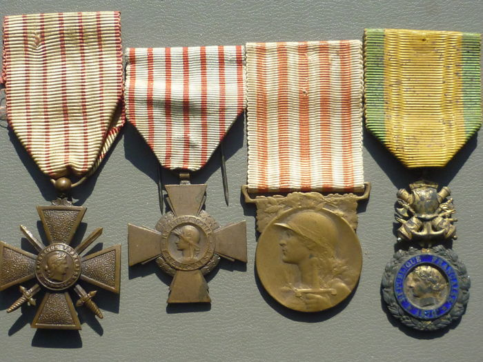 France - LOT of 4 medals 14 18 WW1 (V%) War cross - Medal - 1918