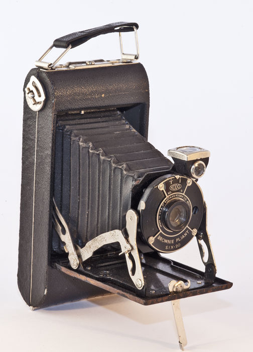 Kodak Eastman Brownie Pliant SIX-20