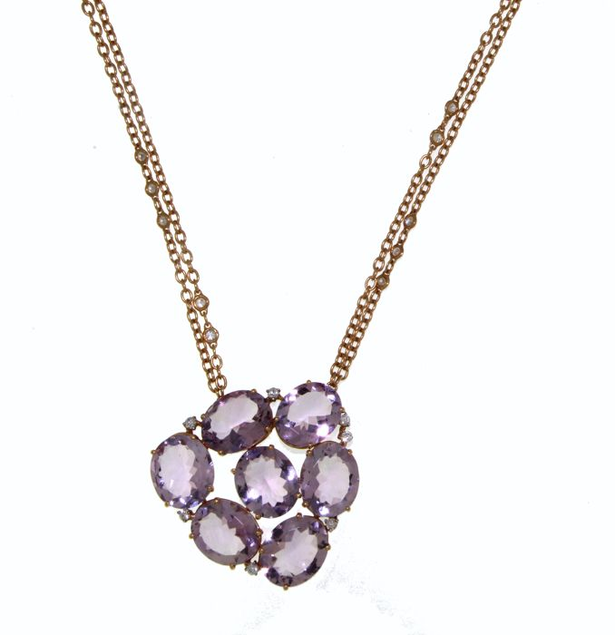 Necklace with pendant in 18 kt gold with amethysts totalling 25 ct (15 stones) and brilliant cut diamonds totalling 0.50 ct (19 stones), G/VS - 21 cm