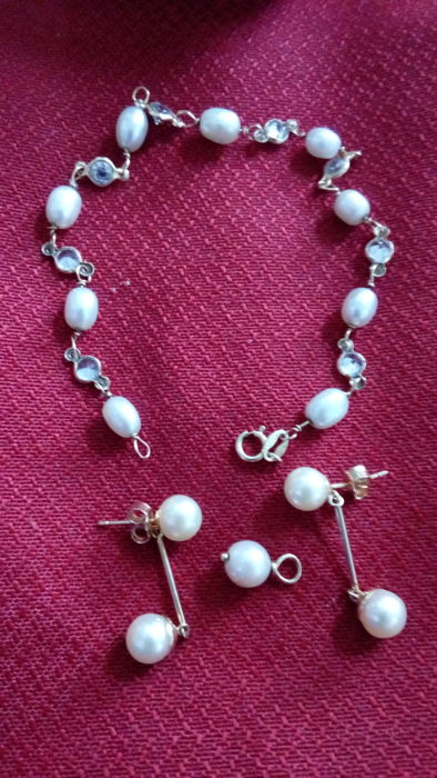 Yellow gold set - Bracelet, earrings and pendant with freshwater pearls of 7 and 8 mm